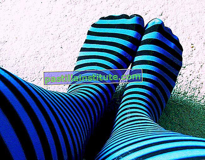 Синьо чорапче